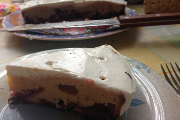 Нутовый пирог со сливами
