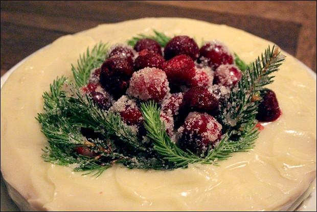 Имбирный торт с «замороженными» ягодами