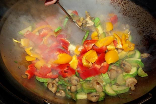 Овощи в воке по-китайски