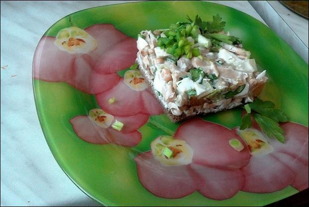 Салат с грибами и йогуртовой заправкой