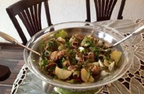 Салат нисуаз с фасолью и перепелиными яйцами