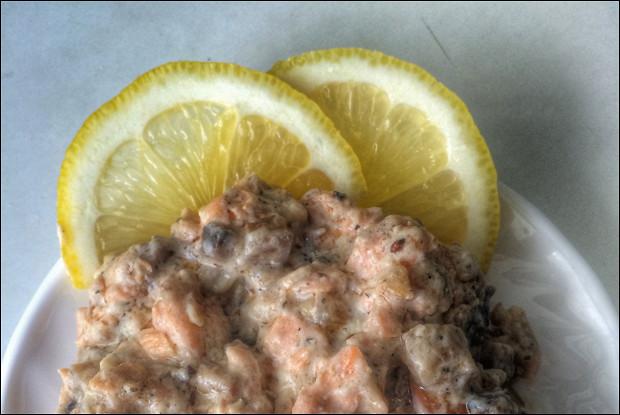 Семга в сливочном соусе с грибами