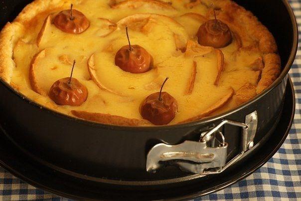 Яблочный пирог со сливочной заливкой