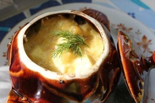 Жаркое в горшочке с сыром и зеленью