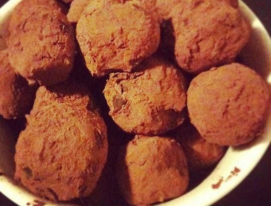 Шоколадные трюфели с лимоном и тимьяном