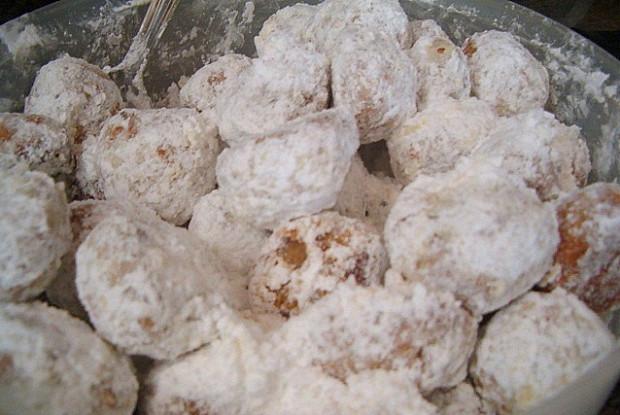 Ореховое печенье в сахарной пудре