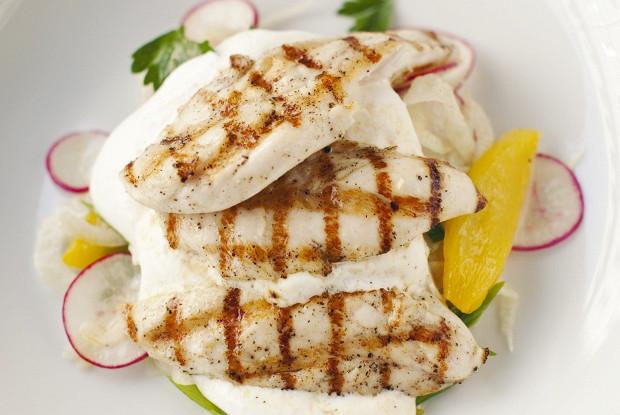 Салат с курицей и фенхелем