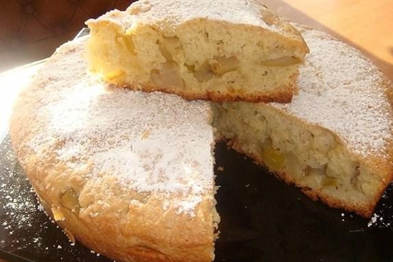 Яблочно-апельсиновый пирог с манкой