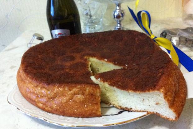 Лимонный пирог с шампанским