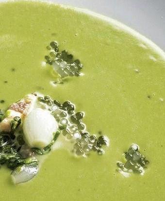 Крем-суп из зеленого горошка с тапиокой