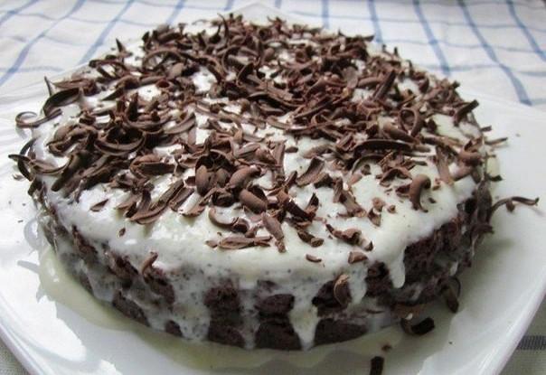 Быстрый шоколадный торт со сметанным кремом
