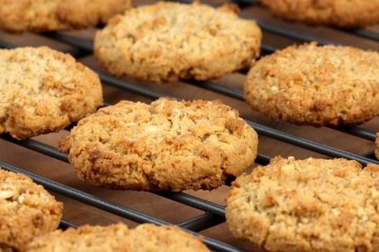 Овсяное печенье с медом и сметаной