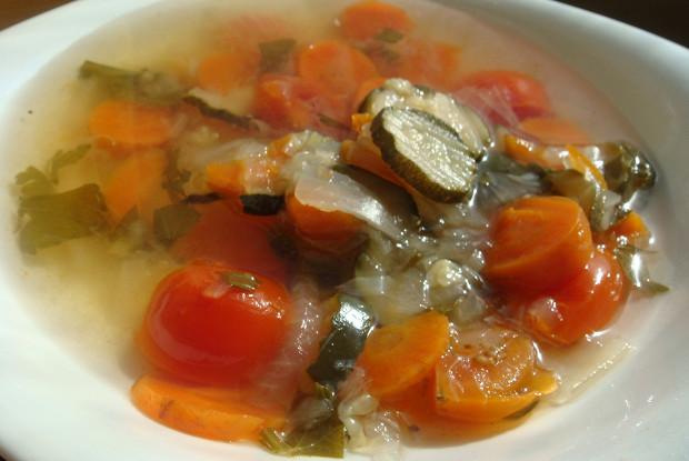 Постный суп с томатами черри и укропом