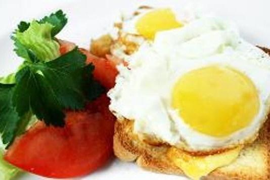 Тосты с сыром и яйцами