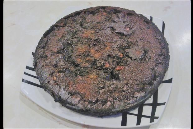 Шоколадные брауни с карамелью и грецким орехом