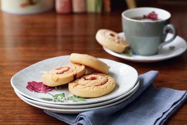 Печенье-спиральки с арахисовой пастой и желе