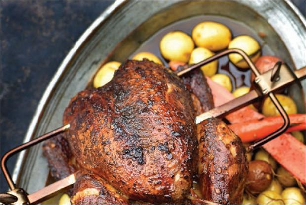 Копченая курица на вертеле
