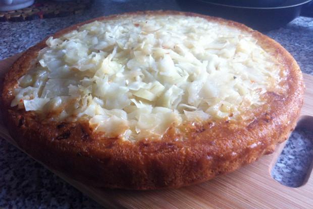 Быстрый капустный пирог со сливочным маслом