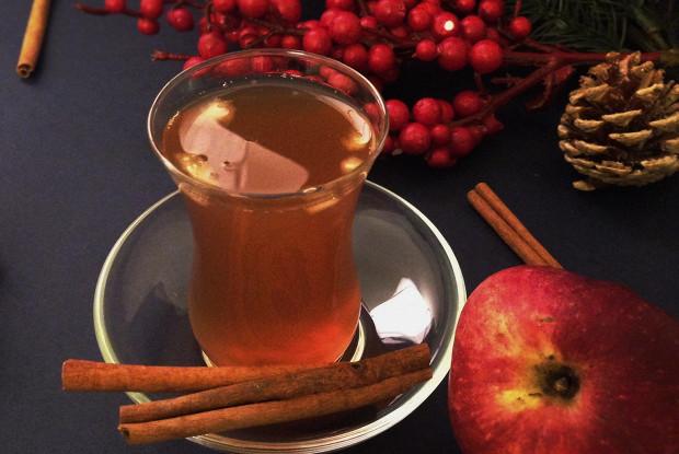 Коричный чай с яблоком, апельсином и мятой