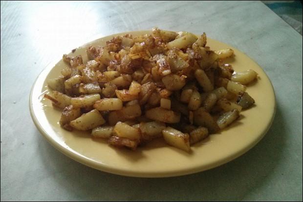 Жареный картофель с карри