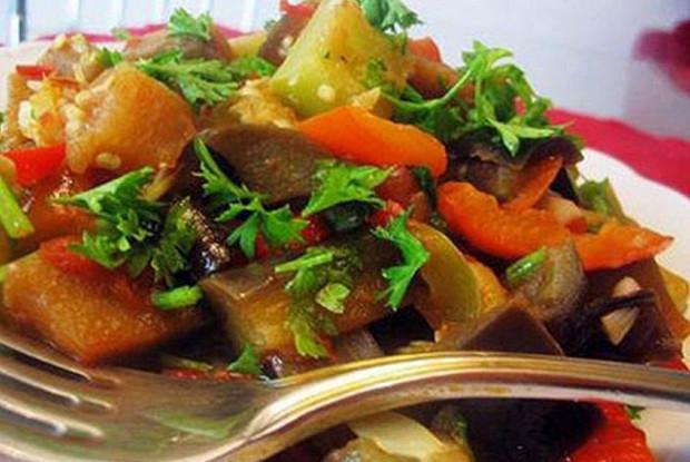Ароматное овощное рагу с зеленью