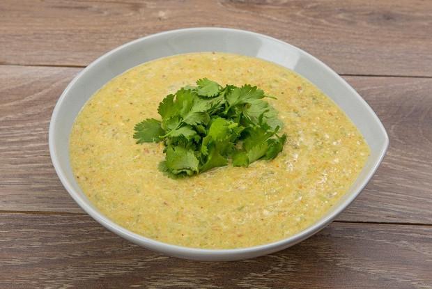 Суп с миндалем и стручковой фасолью