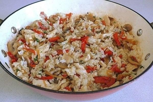Рис жасминовый с овощами и курицей