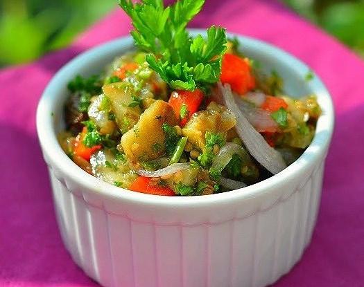 Салат с баклажанами и сладким перцем