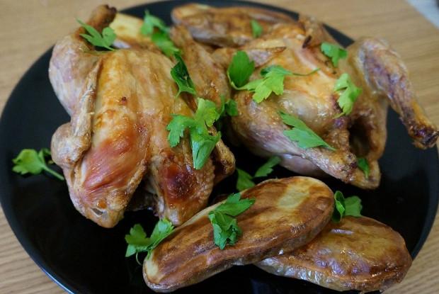 Цыплята гриль с чесноком и картофелем