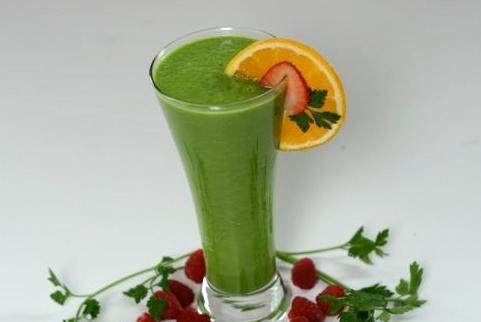 Зеленый смузи с цитрусовым соком