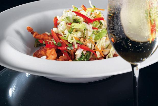 Салат с курицей в азиатском стиле