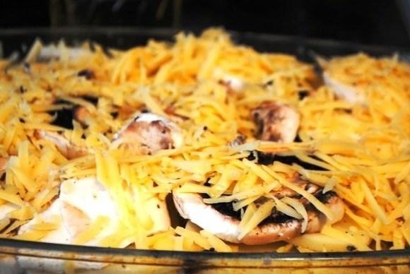 Запеканка с картофелем, цукини и грибами