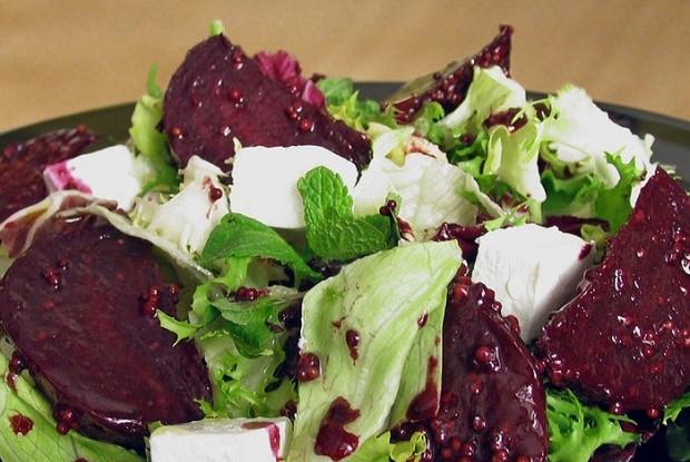 Салат со свёклой и сыром