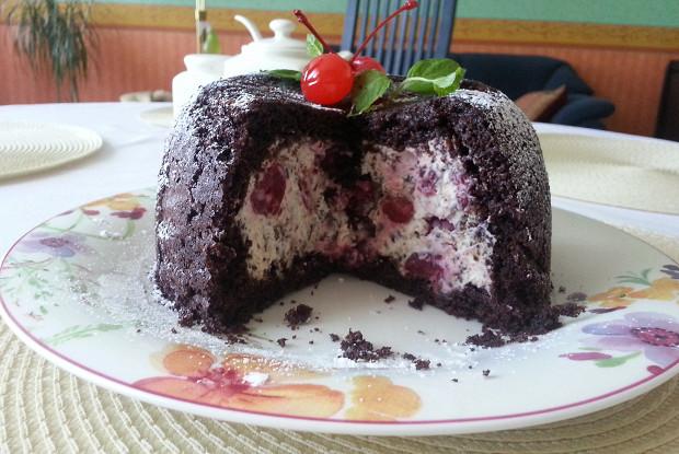 Итальянский шоколадный десерт или торт-купол (Zuccotto)