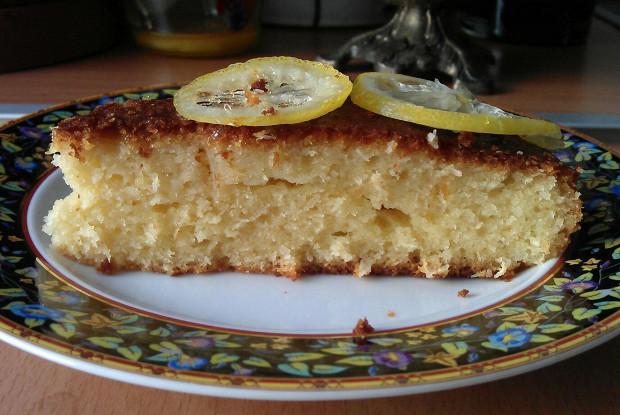 Кокосовый кекс с лимонным сиропом