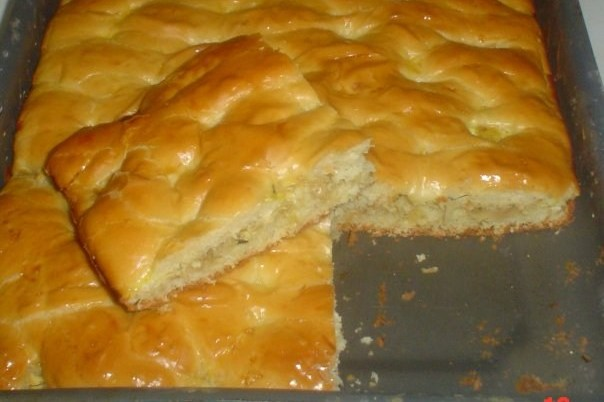Пирог на дрожжевом тесте с курицей и картофелем