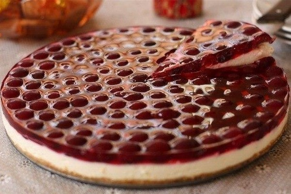 Вишневый торт без выпечки (Чизкейк)