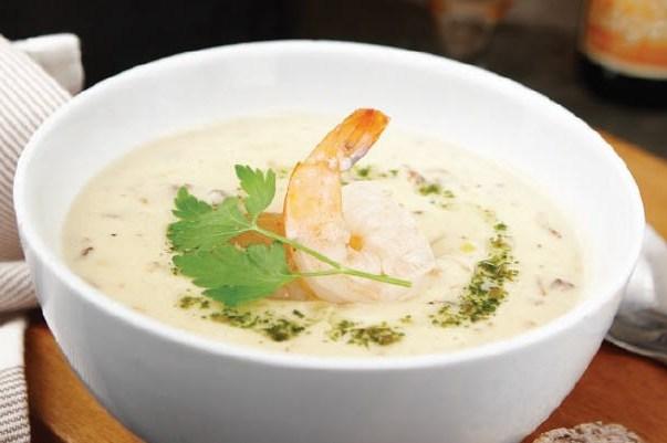 Сливочный суп с мидиями и креветками