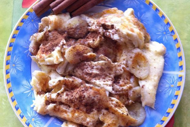 Омлет с бананом и корицей