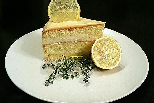 Торт с лимонным курдом и суфле
