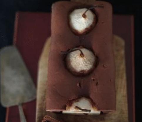 Творожный шоколадный кекс с грушей