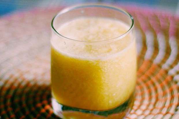 Смузи с сельдереем и апельсином