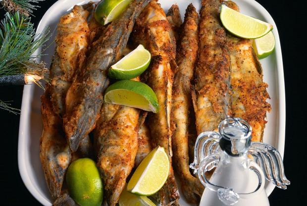 Ледяная рыба в панировке из паприки и лимонной цедры