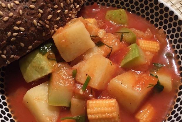 Овощное рагу на бульоне из потрошков