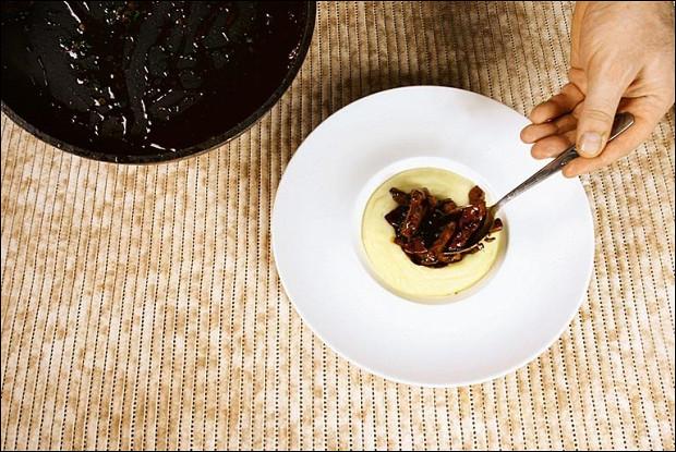 Телячья печень с картофельным пюре