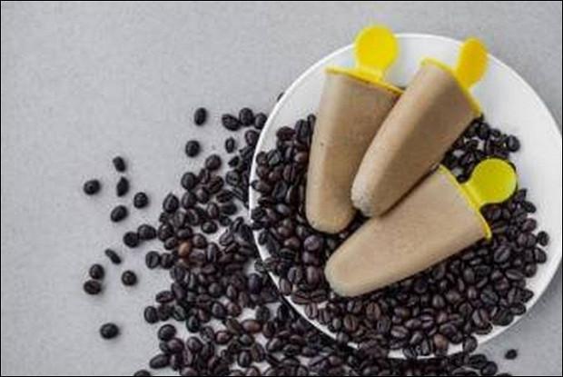 Сыроедческое мороженое с орехами пекан, черносливом и какао