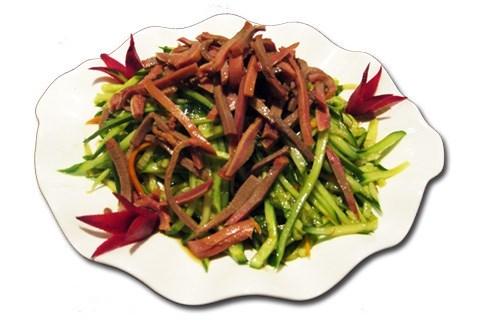 Китайский салат из языка с огурцами