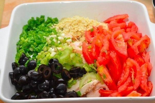 Салат с копченой курицей и сельдереем
