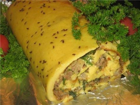 Сырно-мясной рулет с тмином
