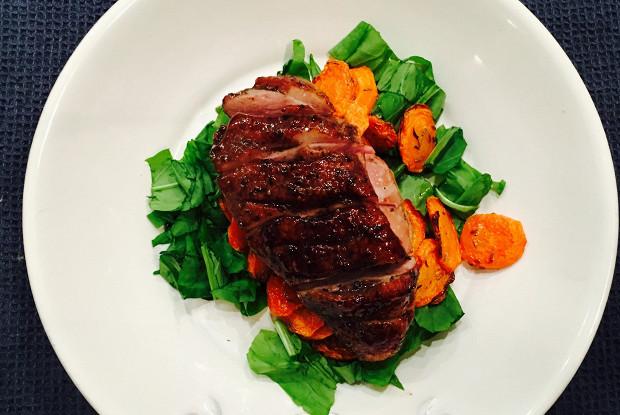 Утка с соусом наршараб и карамелизованной морковью